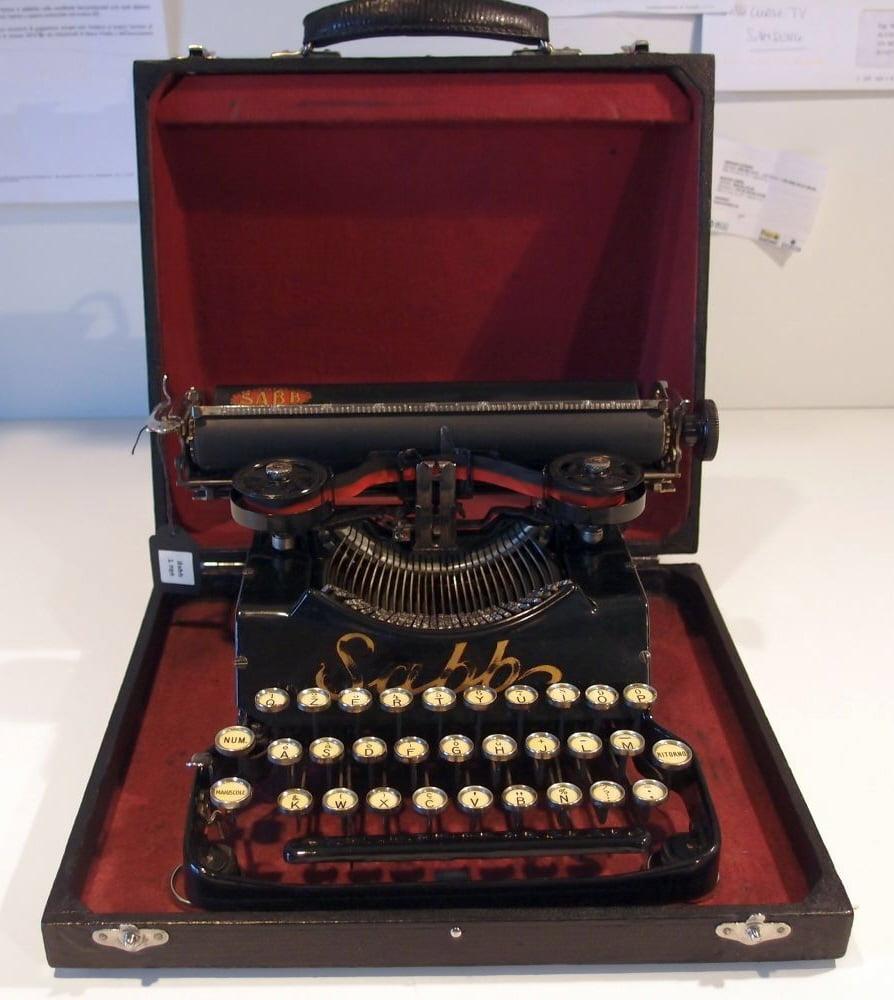 Macchine da scrivere d'epoca — Collezione di Ettore Poccetti